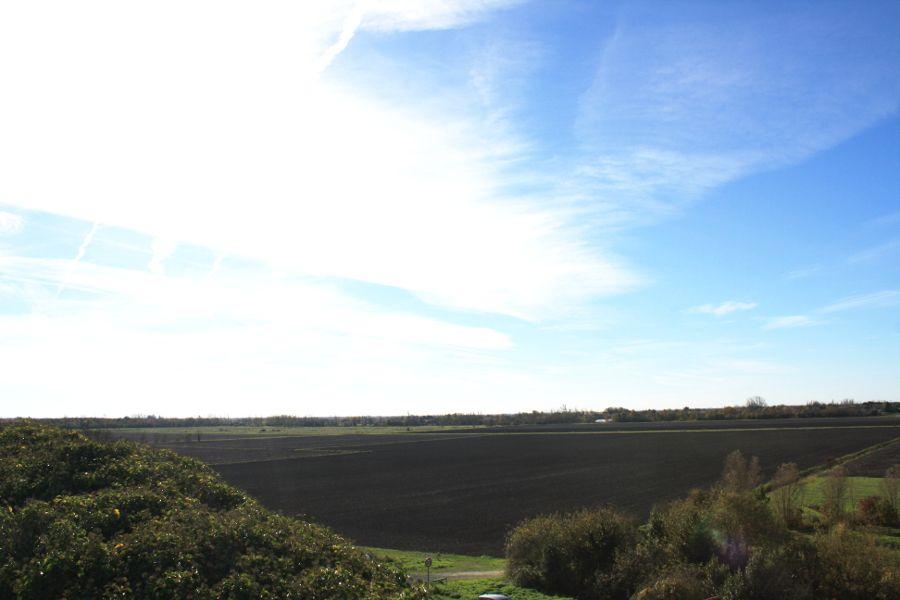 vue-sur-marais-desséché-depuis-chaillé-les-marais