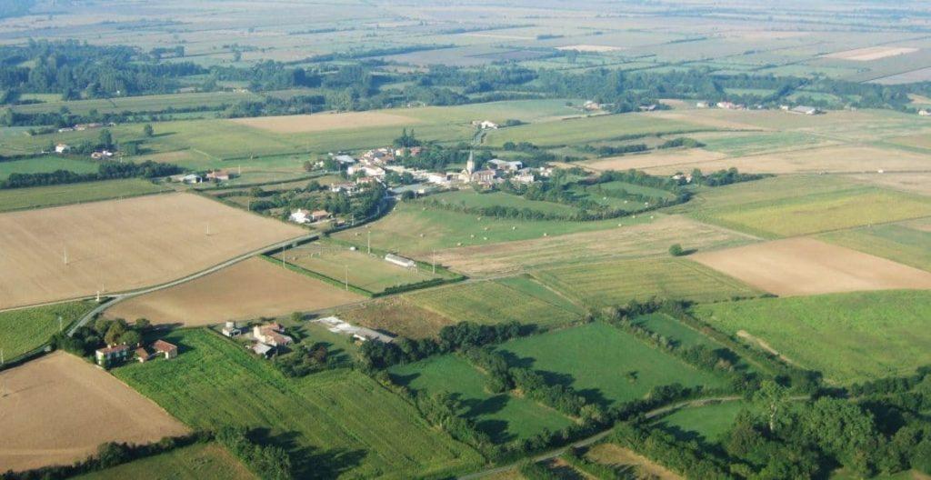 vue aérienne sur Saint Pierre le Vieux