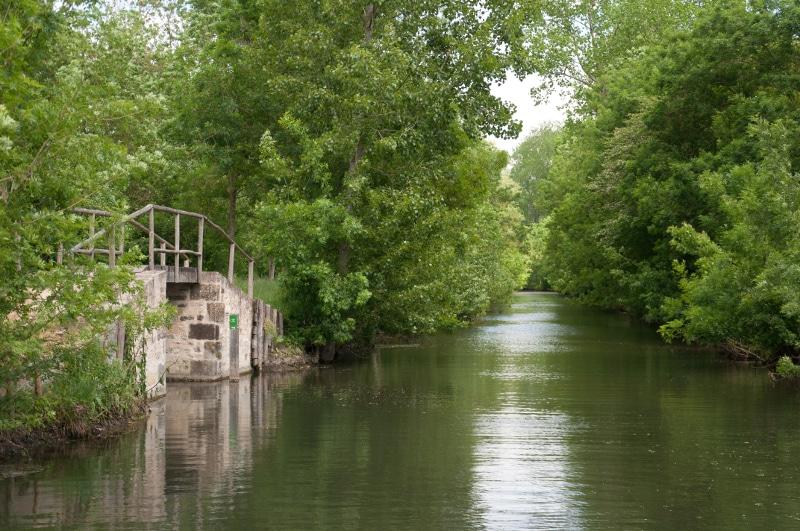 La Rigole d'Aziré dans la Venise Verte