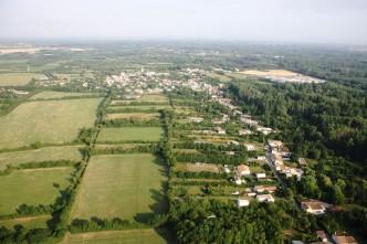 Village-de-Le-Vanneau-dans-la-Venise-Verte