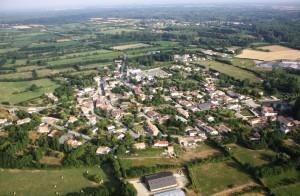 6-Vue-aérienne-sur-le-village-de-Le-Vanneau