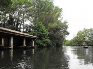 Porche pour barques à Saint Maxire