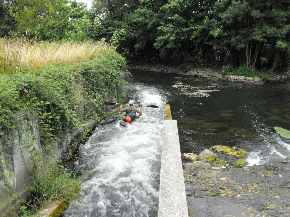 kayak sur la passe à canoë Niort le Moulin de Comporté