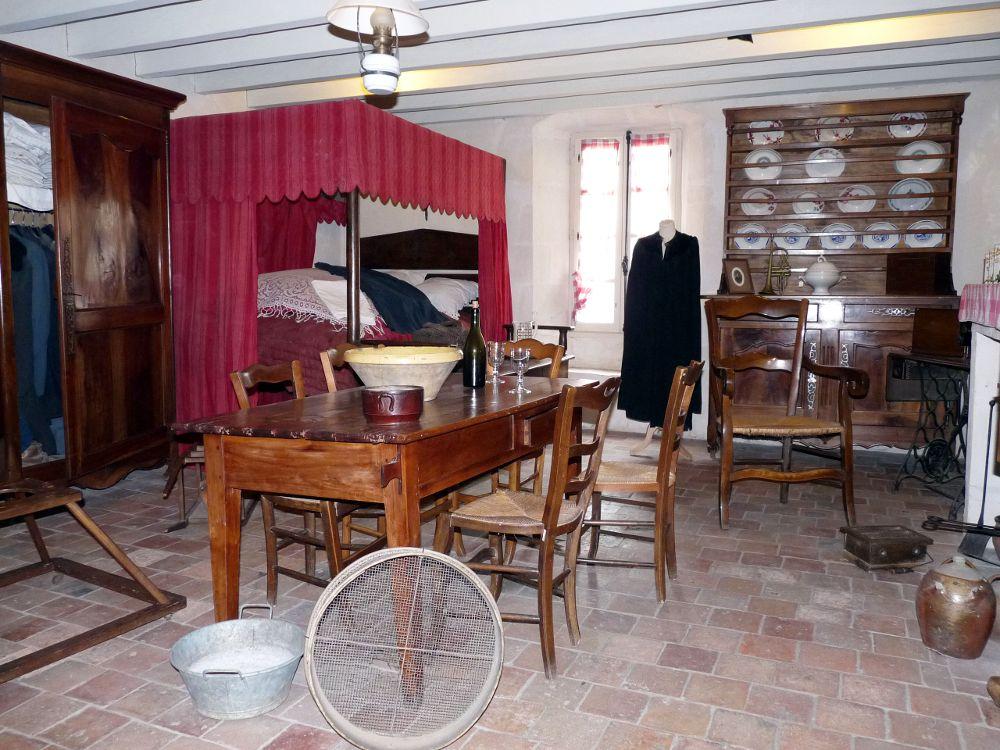 La maison du marais poitevin le blog du marais poitevin for Interieur 19eme siecle