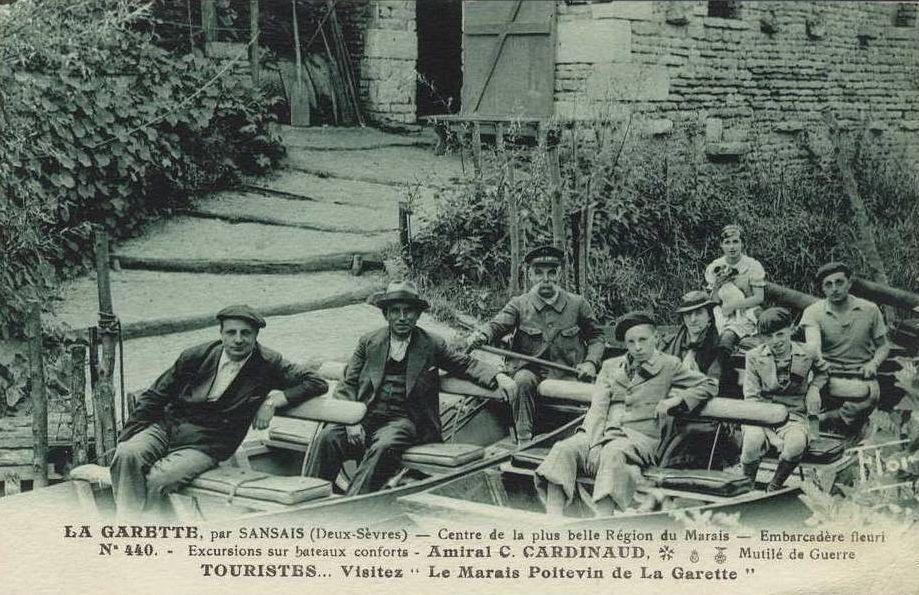 Photo amiral cardineau marais poitevin embarcadères la garette balade en barque