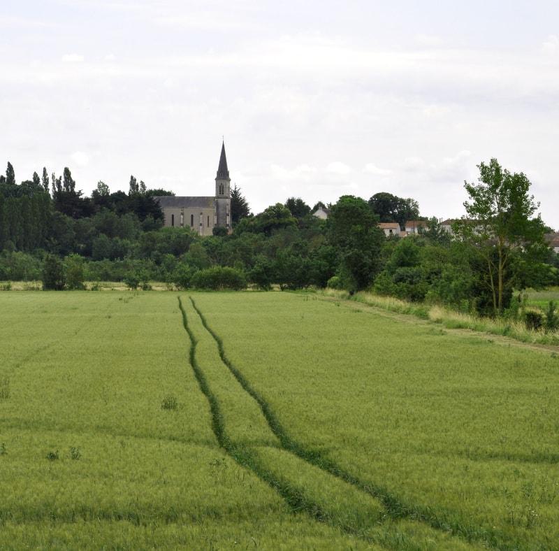 église gué de velluire vendée