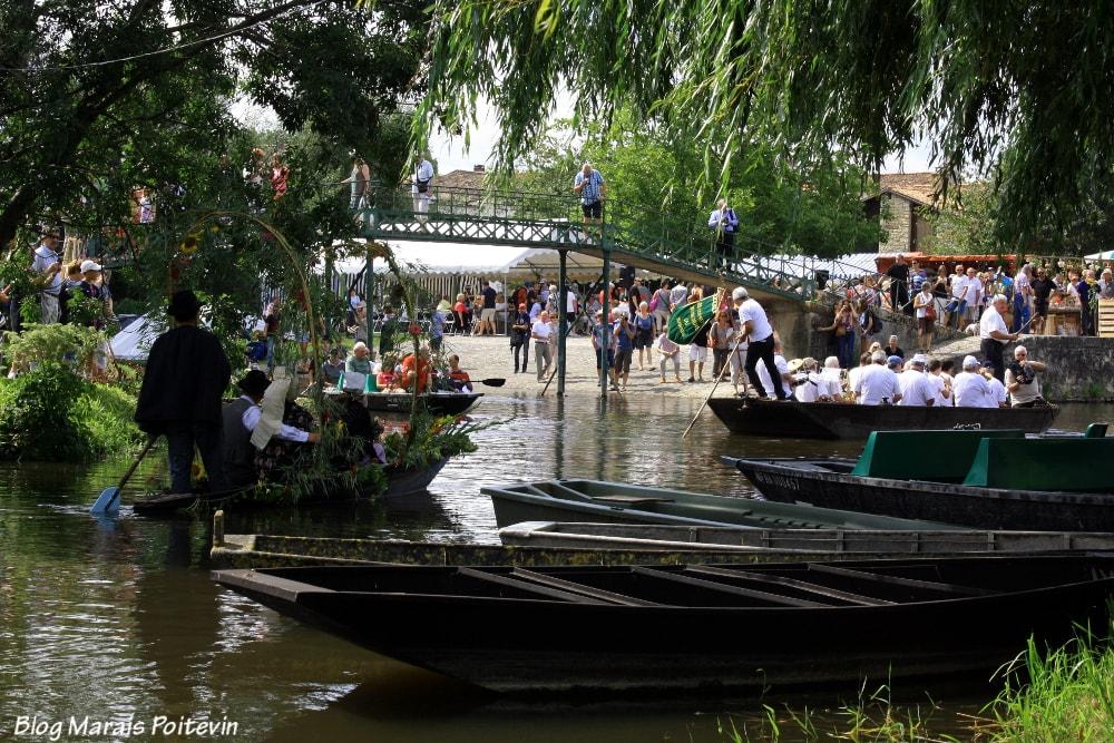 barques-au-marché-du-vanneau