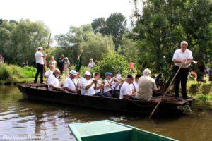 musiciens marché sur l'eau marais poitevin