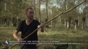 Arte Invitation au voyage Marais Poitevin Gaetan batelier la garette
