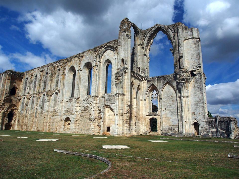 abbaye de maillezais marais poitevin