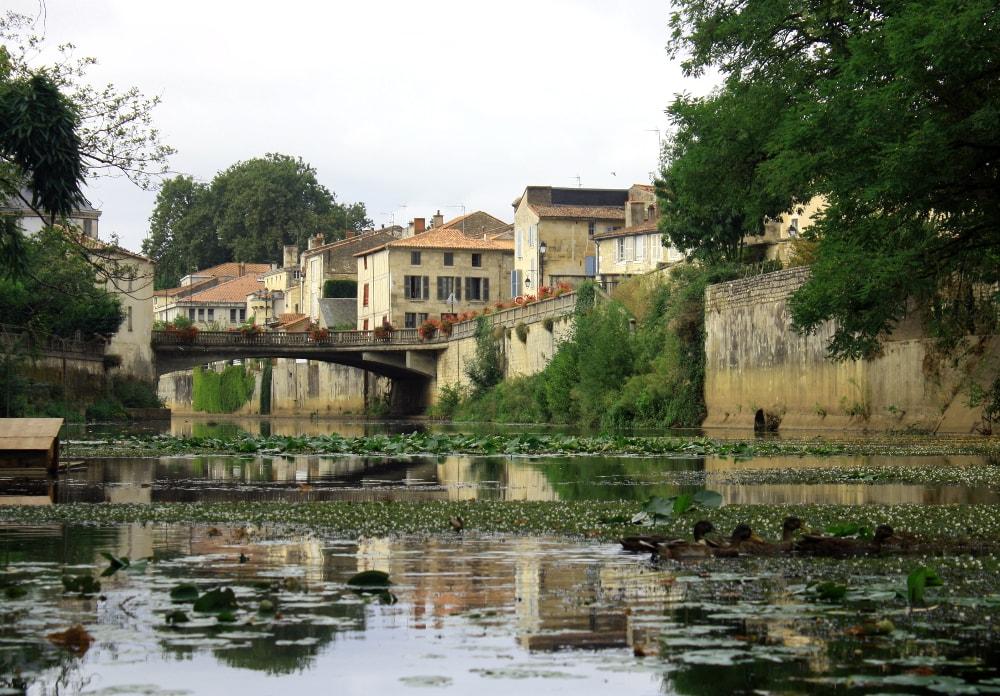 Arrivée à Fontenay le Comte sur la rivière Vendée