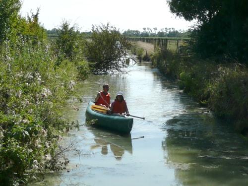 Promenade en canoë au départ du camping ile cariot