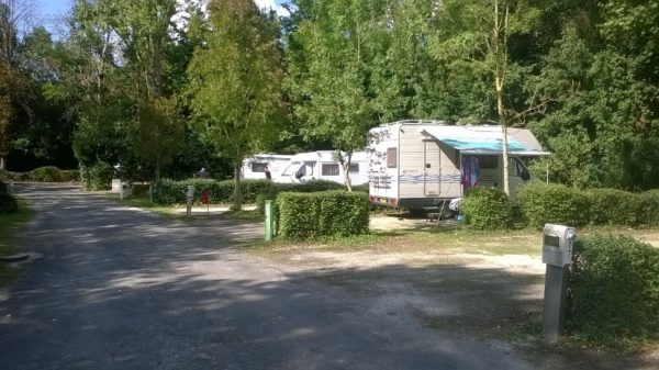 camping municipal le bois dinot camping car