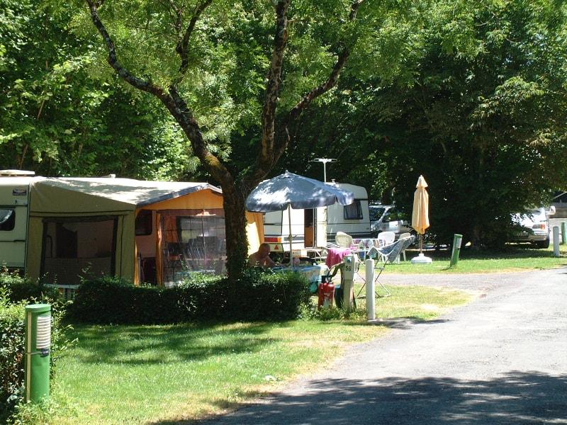 camping municipal le bois dinot caravanes