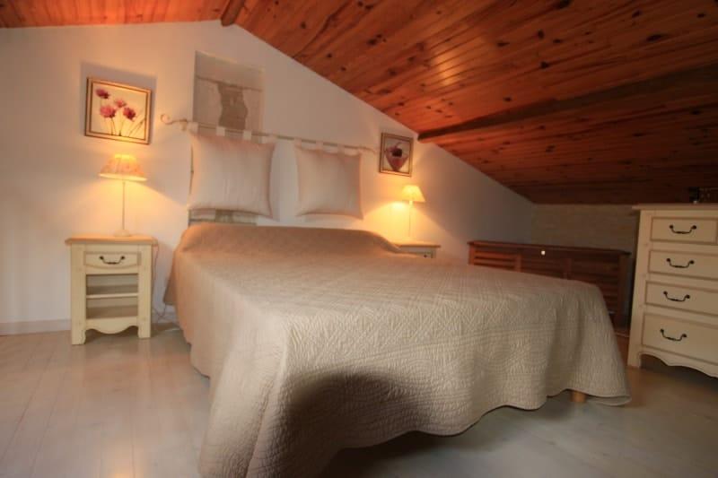 chambre lit double gite fief grondin