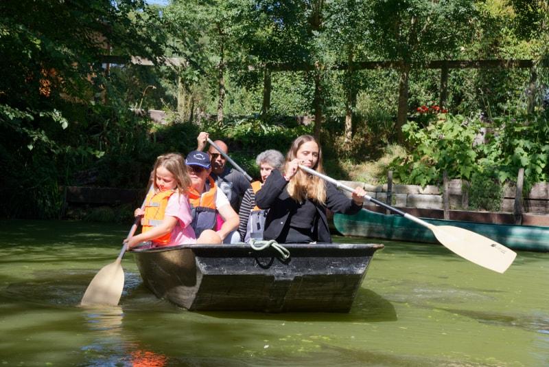 balade en barque marais poitevin camping le lidon